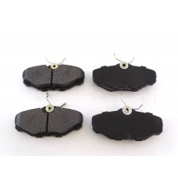 Front Brake Pads D601 CBK For FORD TAURUS WINDSTAR LINCOLN CONTINENTAL